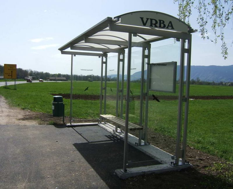 avtobusna nadstresnica bushaltestelle apl r04 dscf6035