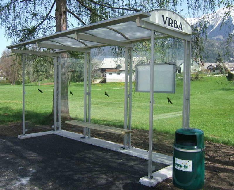 avtobusna nadstresnica bushaltestelle apl r04 dscf6038
