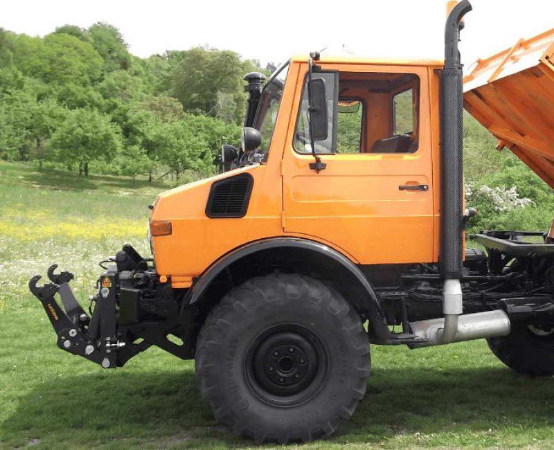 celna-prednja-sprednja-hidravlika-dvigalo-na-komunalno-hitrovpenjalno-plosco-unimog-mb-trac-lindner-reform-muli-shl-pu-traktor-12-lesnik-lenart-min