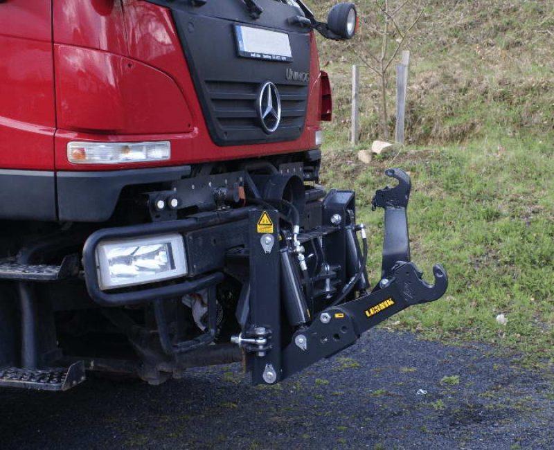 celna-prednja-sprednja-hidravlika-dvigalo-na-komunalno-hitrovpenjalno-plosco-unimog-mb-trac-lindner-reform-muli-shl-pu-traktor-8-lesnik-lenart-min
