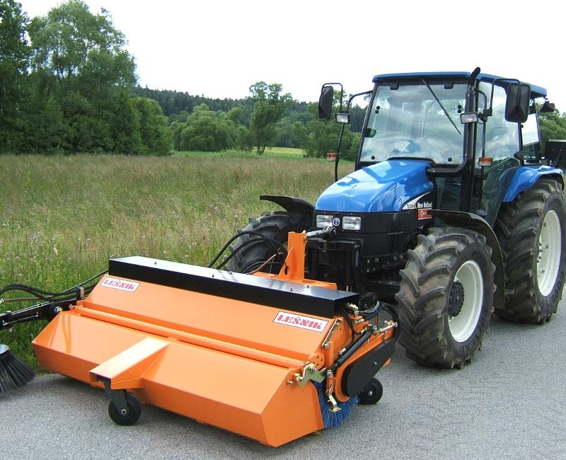 MLK-pometalna-naprava-metla-traktor-lesnik-lenart-2-1