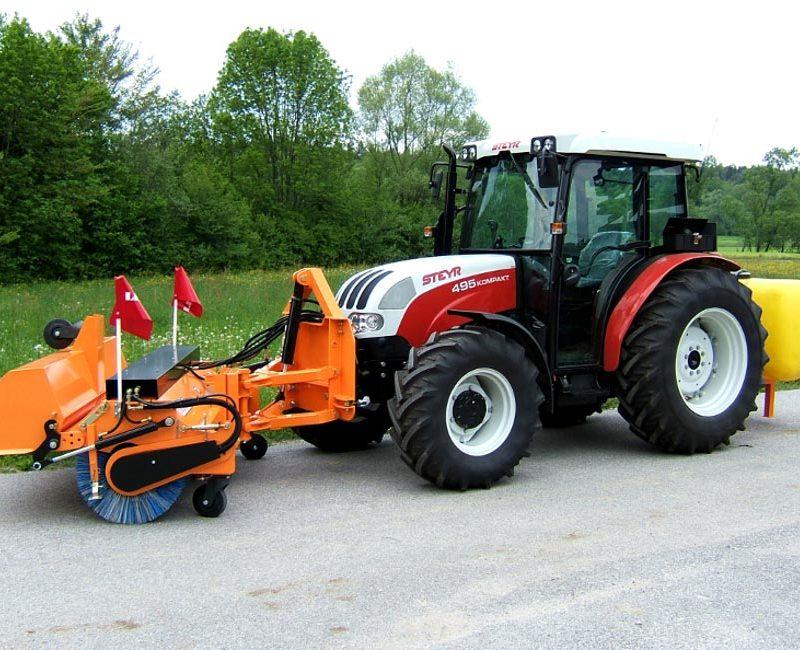 MLK-pometalna-naprava-metla-traktor-lesnik-lenart-3