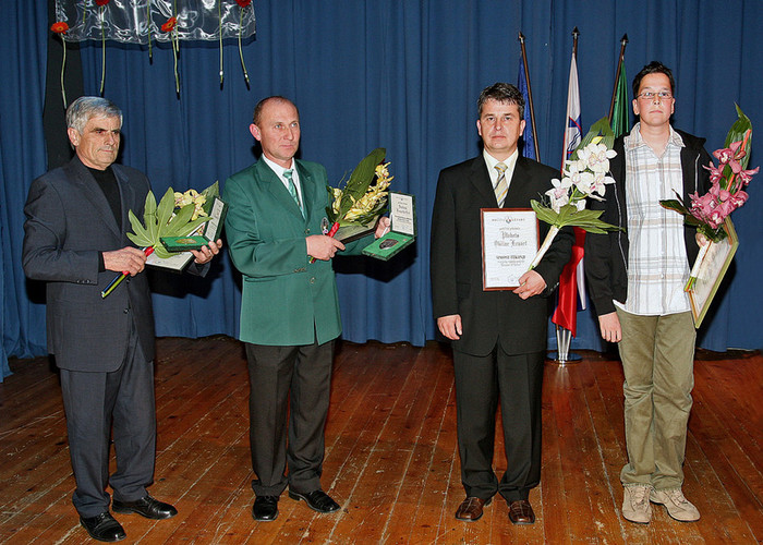 Friderik Lešnik je prejel zlati grb občine Lenart leta 2006